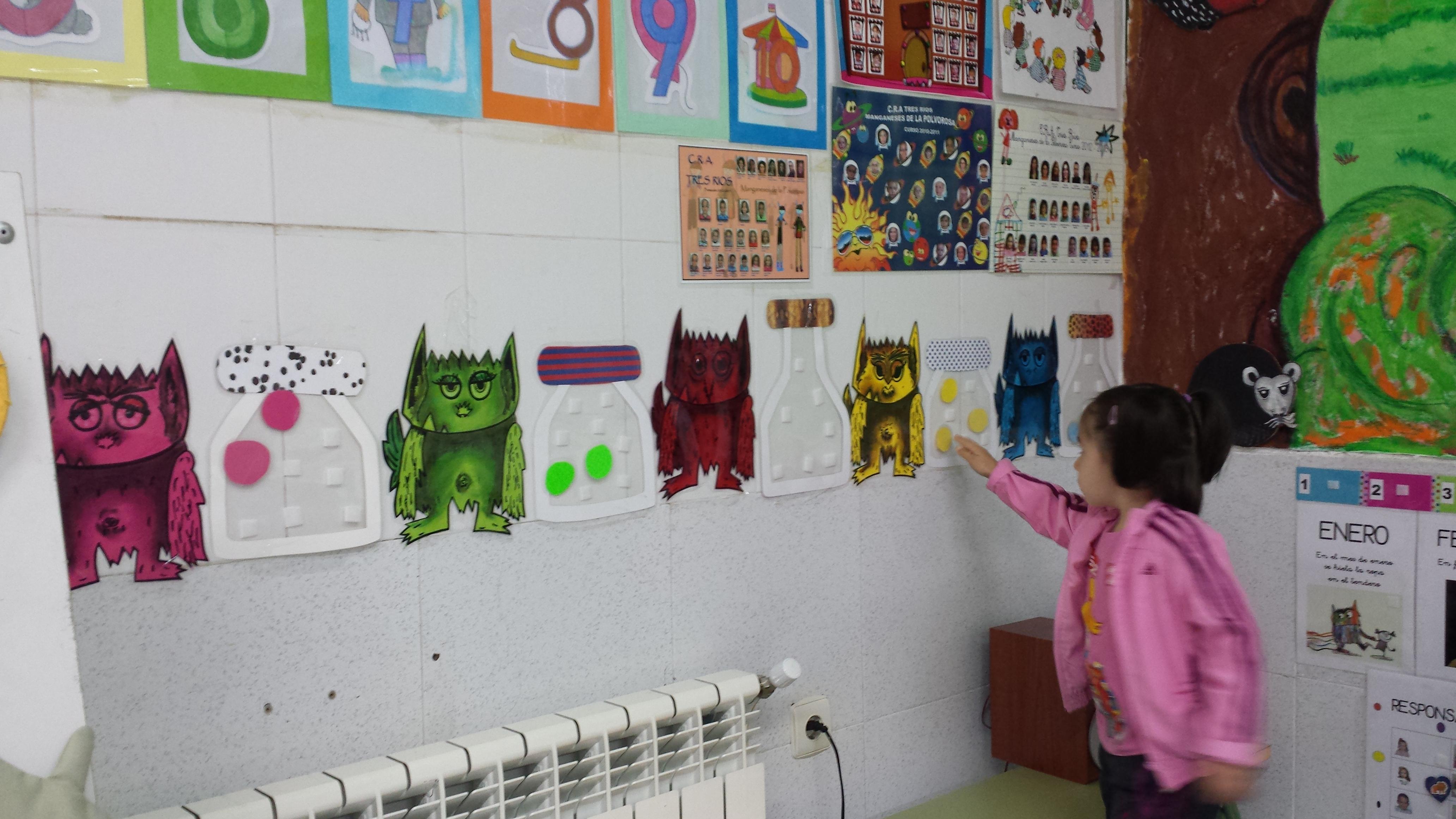 Mural el monstruo de colores for Como pintar un mural infantil